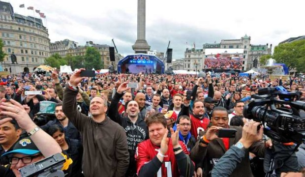 Jacksonville Jaguars fans awaiting the team before a rally at Trafalgar Square in London in 2013.