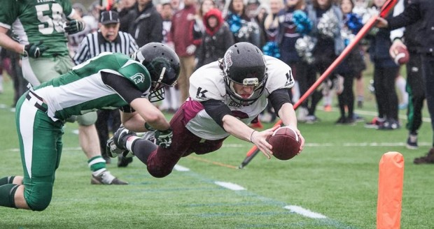 Clay Rust diving for the end zone against the Titans Swansea (Courtesy of Craig Thomas-Tallboy Images)